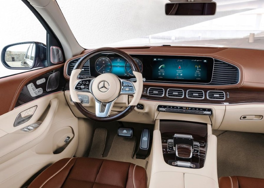 2021 Mercedes Maybach GLS 600 Cockpit Dashboard Features