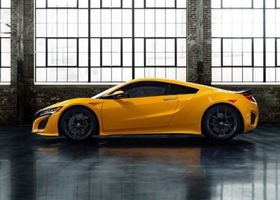 Read more about the article Acura NSX Hybrid Sports Car Remains Popular Through 2022
