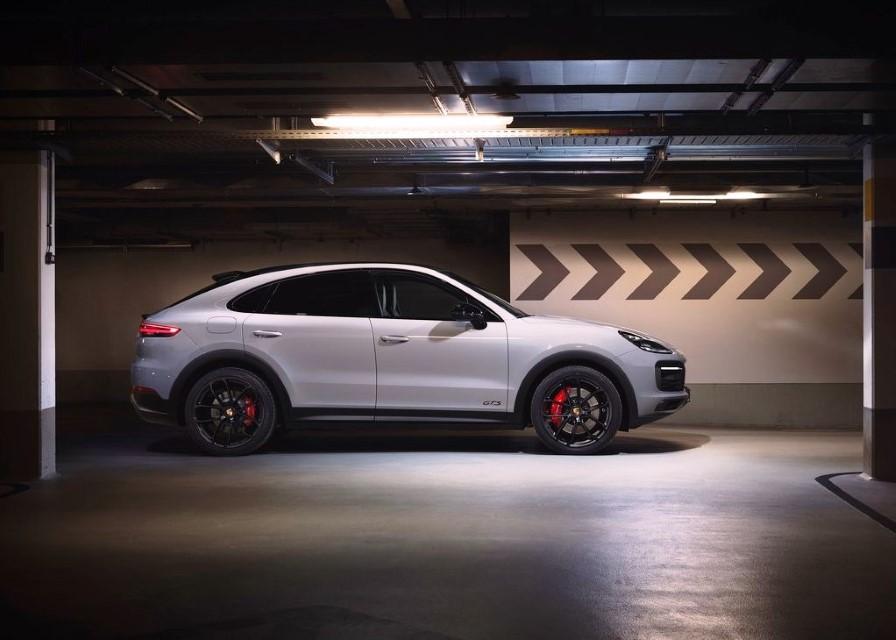 2022 Porsche Cayenne GTS Coupe Review