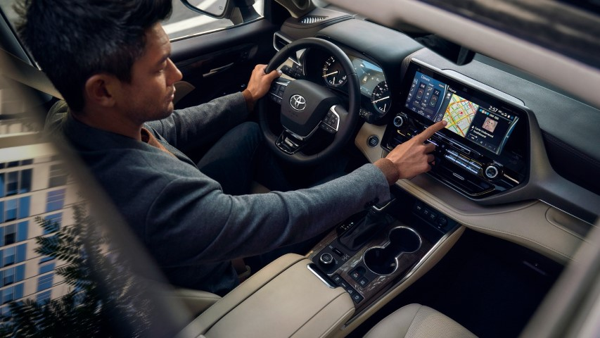 2022 Toyota Highlander Interior With Sunroof