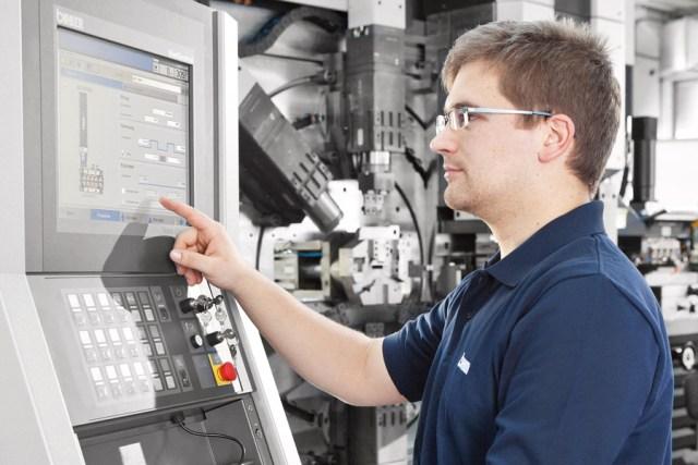 Bihler의 서보 제어 RM-NC 스탬핑 및 성형 기계, B&R 자동화 기술을 갖추다.