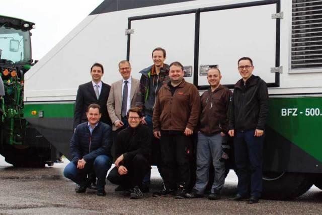 High-speed bus for precision braking