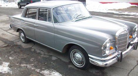 SOLD 1966 Mercedes 230 S