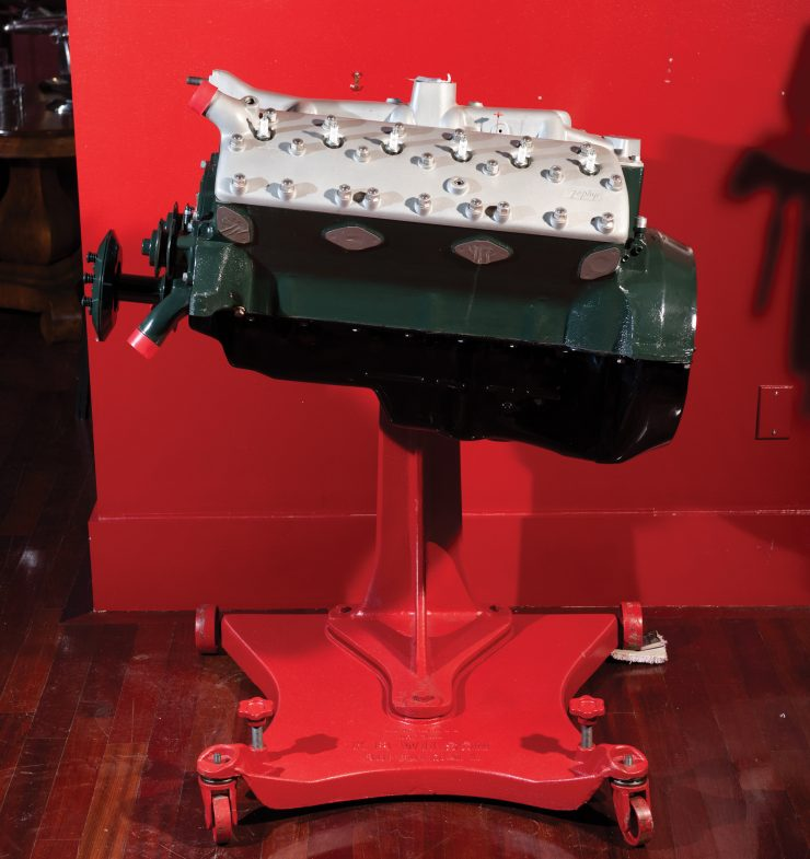 "A ""CRATE"" ENGINE WITH A DIFFERENCE – A ROUSH-BUILT LINCOLN"