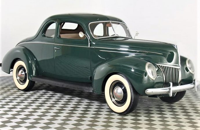 15217180-1939-ford-coupe-srcset-retina-md-690x450