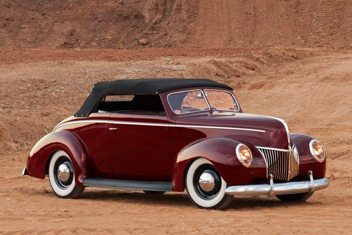 03-1940-ford-convertible-walls
