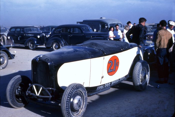 002-roadsters-on-lakes-karl-orr-1932-ford