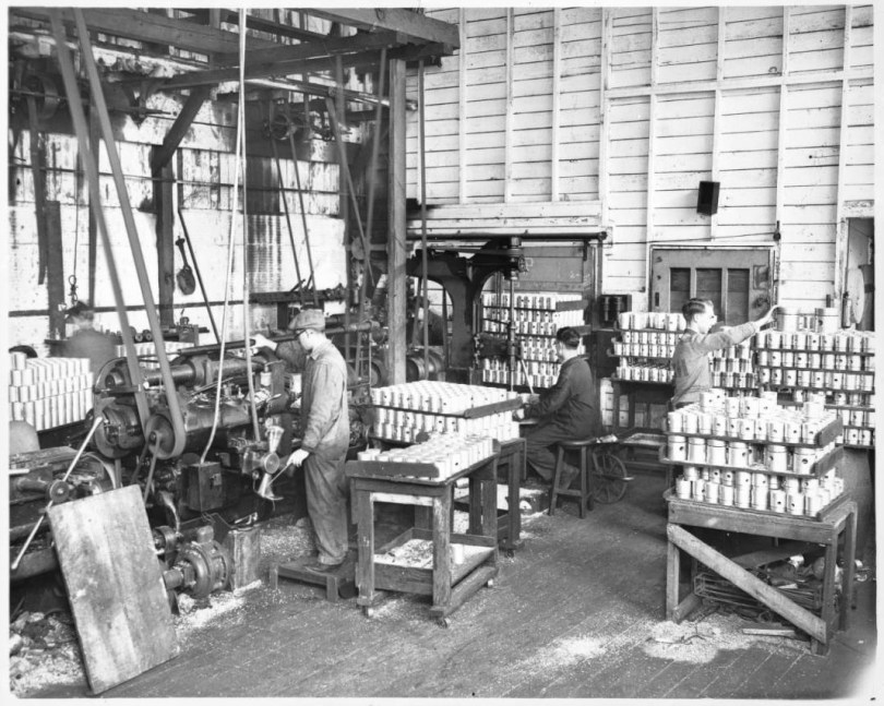 1935-ray-day-piston-company-seattle-factory-usc-archives-large