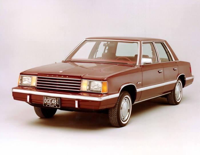 Dodge-600-sedan(10)