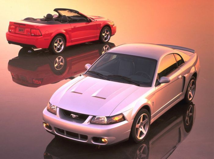 2003-Ford-SVT-Mustang-Cobra-coupe-and-convertible-neg-CN336001-017-970x721-1