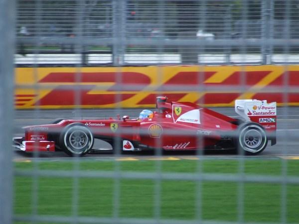 Formula 1 V6T vs V8 Sound Comparison