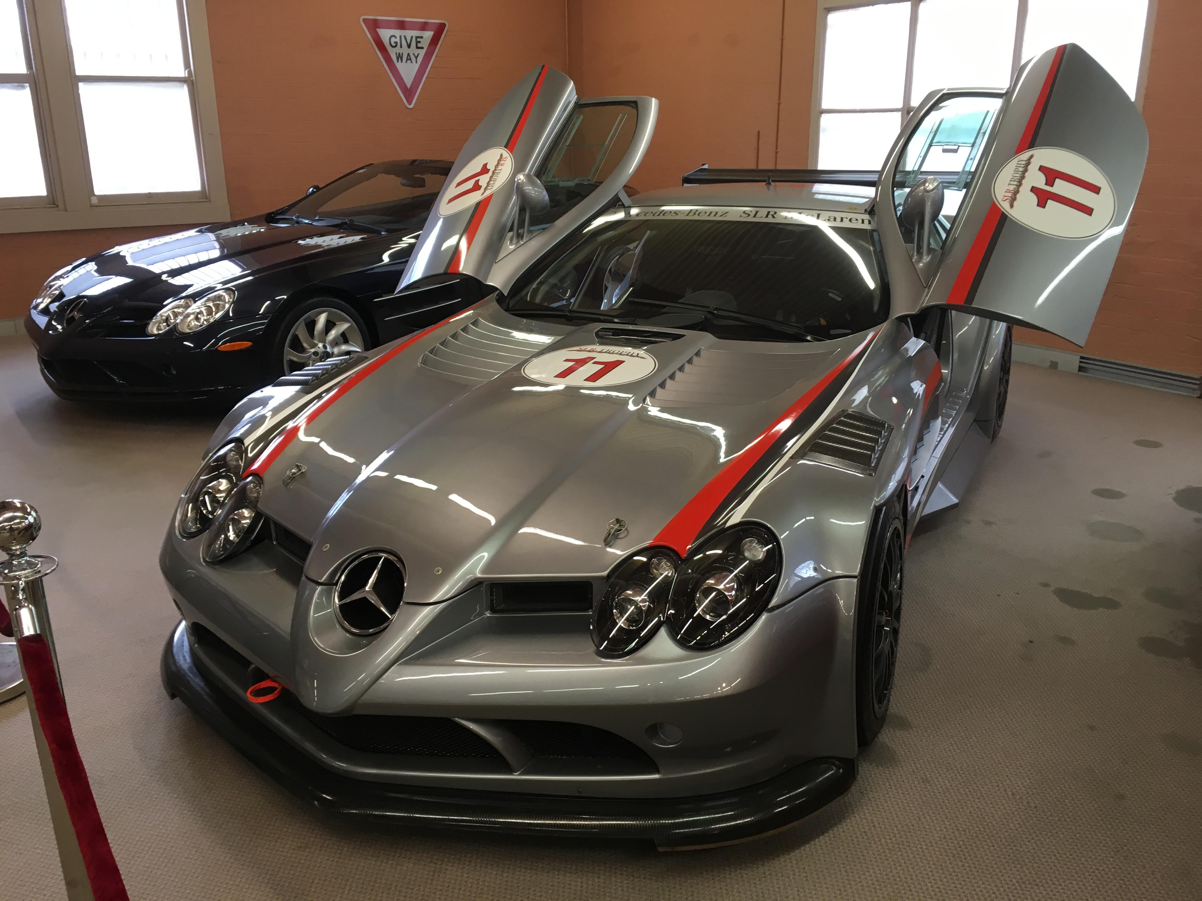 McLaren 722
