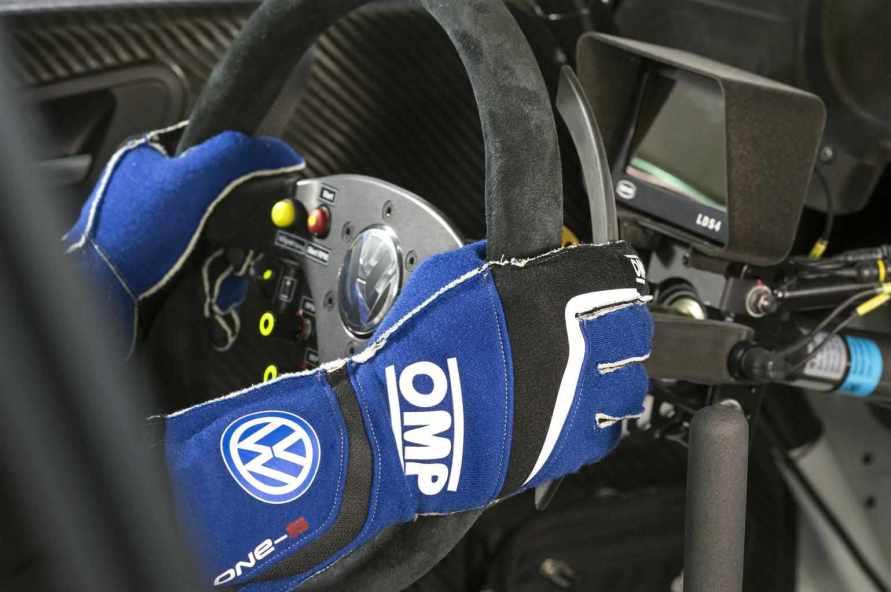resized_Polo R WRC 2015_vw-20150114-2248