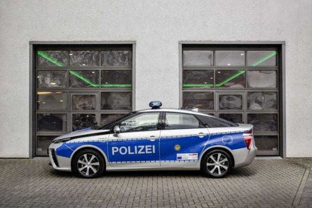 Toyota-Mirai-vodik-policie-berlin-1