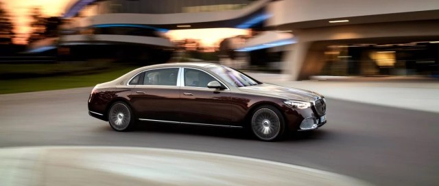 2021-mercedes-maybach-tridy-s-2