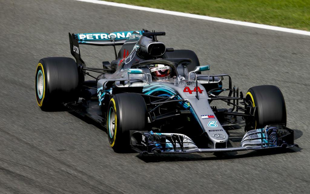 Hamilton ganó en GP de Italia y toma distancia en el torneo