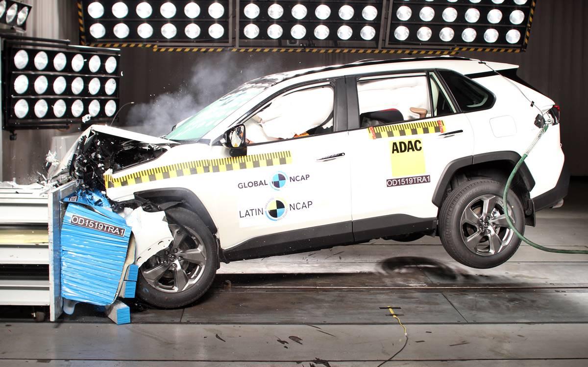 Toyota recibió los premios de Latin NCAP por la seguridad de la nueva RAV4