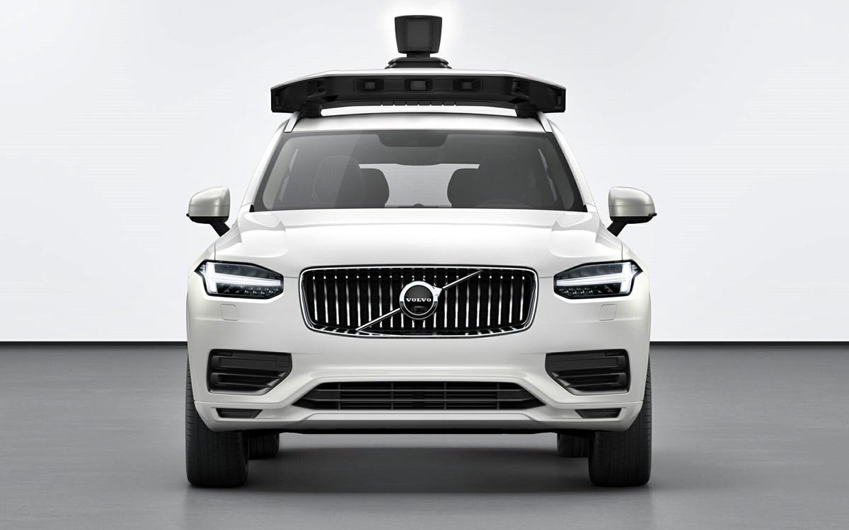 Volvo Cars y Uber presentaron un vehículo capaz de circular de forma autónoma