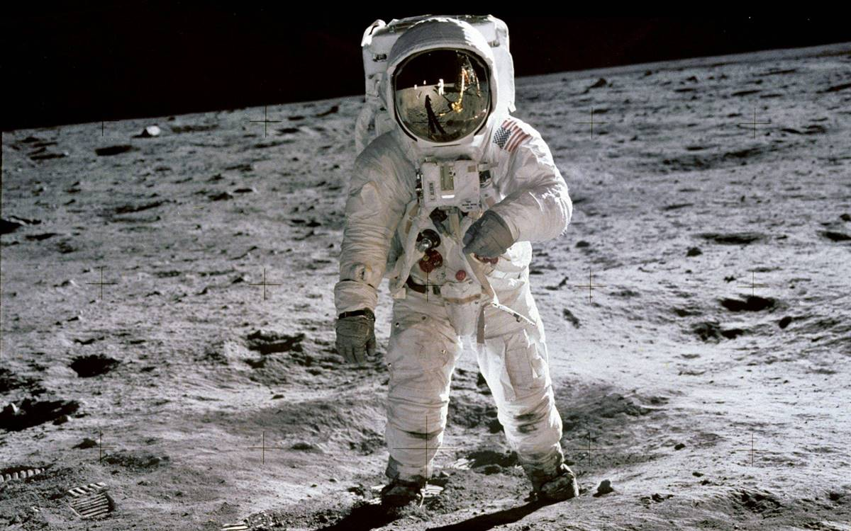 La sorprendente historia de cómo Ford ayudó al hombre a llegar a la Luna