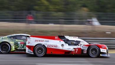 Photo of Pechito López en el podio de Le Mans
