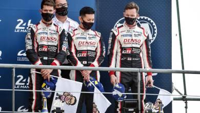 Photo of Pechito López en el podio de Le Mans