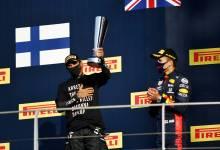 Photo of Atención Lewis Hamilton: La FIA prohíbe la vestimenta reivindicativa en los podios