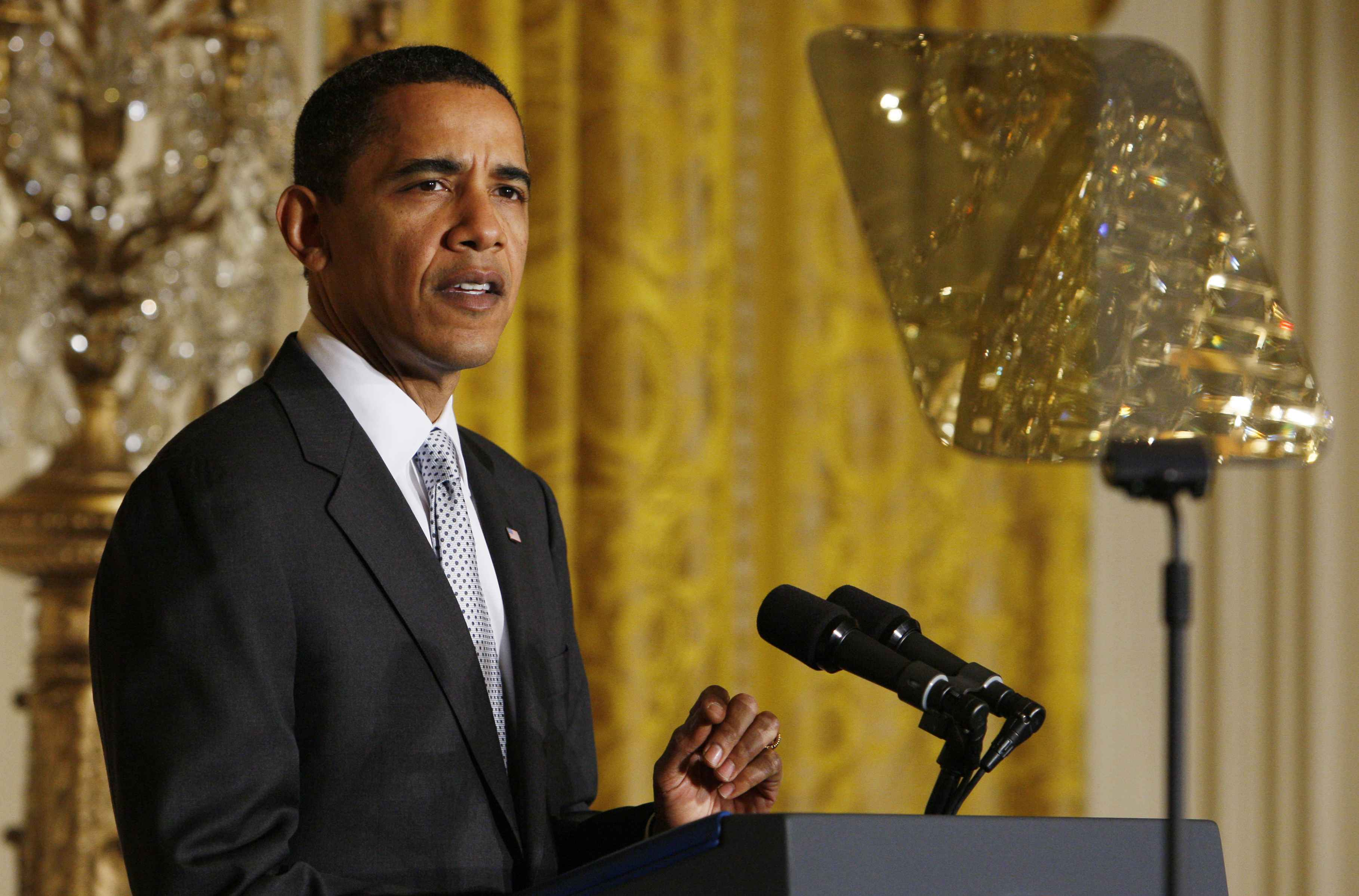 President Obama and his trusty teleprompter - can't speak with out it. (AP Photo/Charles Dharapak)