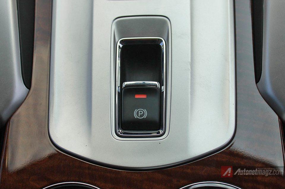 Fitur Electronic Parking Brake Mitsubishi Pajero Sport baru 2016