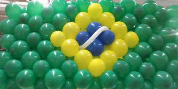 Decoração com bexigas - Bandeira do Brasil