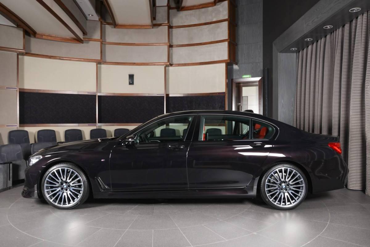 Ruby Black Metallic BMW 730Li