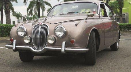 Jaguar 240, el sedan más hermoso del mundo en su época