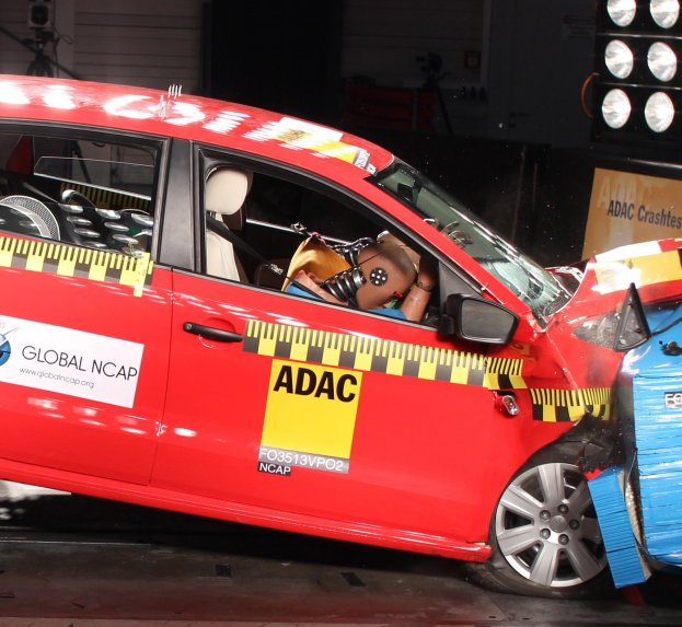 VW-Polo-no-airbags-crash-test