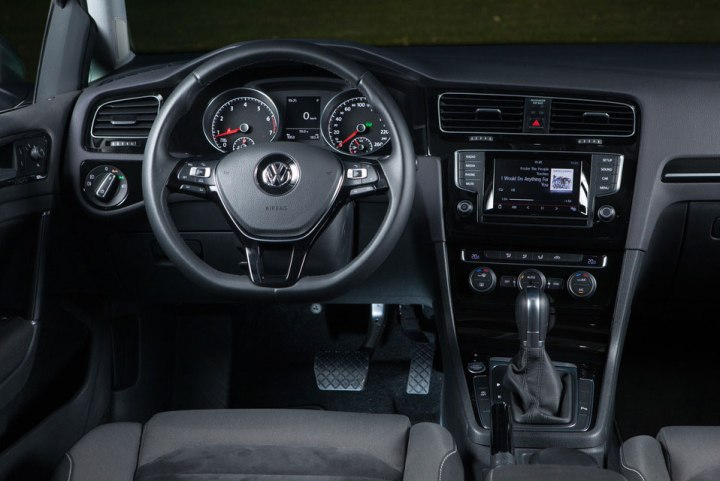 vw-golf-vii-interior