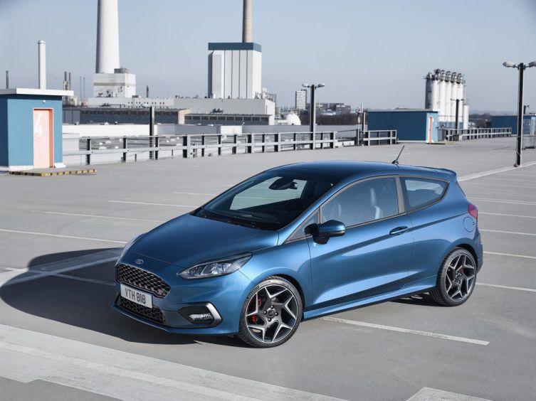 2017-Ford-Fiesta-ST-1