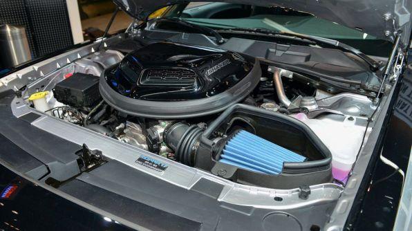 Mopar Dodge Challenger 6