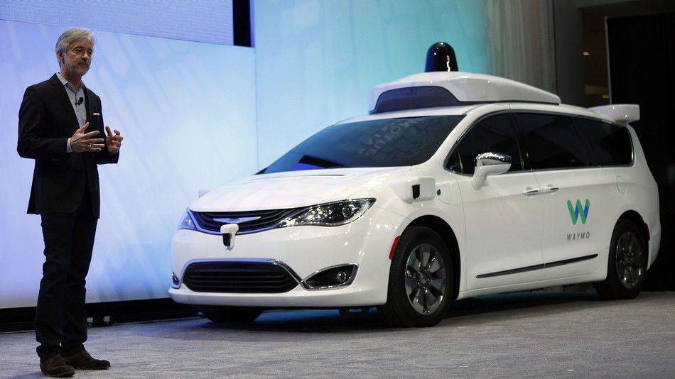 Sudario se Googleov samovozeći automobil