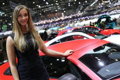 girls-at-the-2017-geneva-motor-show_9