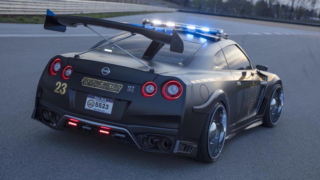 nissan-gt-r-police-pursuit (1)