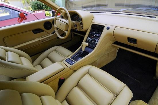 1986-Porsche-928-S-Interior