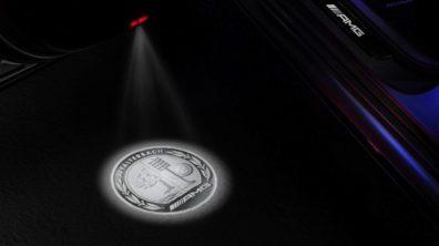 Neuer AMG Wappen LED Projektor für viele Baureihen erhältlich: Beeindruckende Lichteffekte zum Nachrüsten