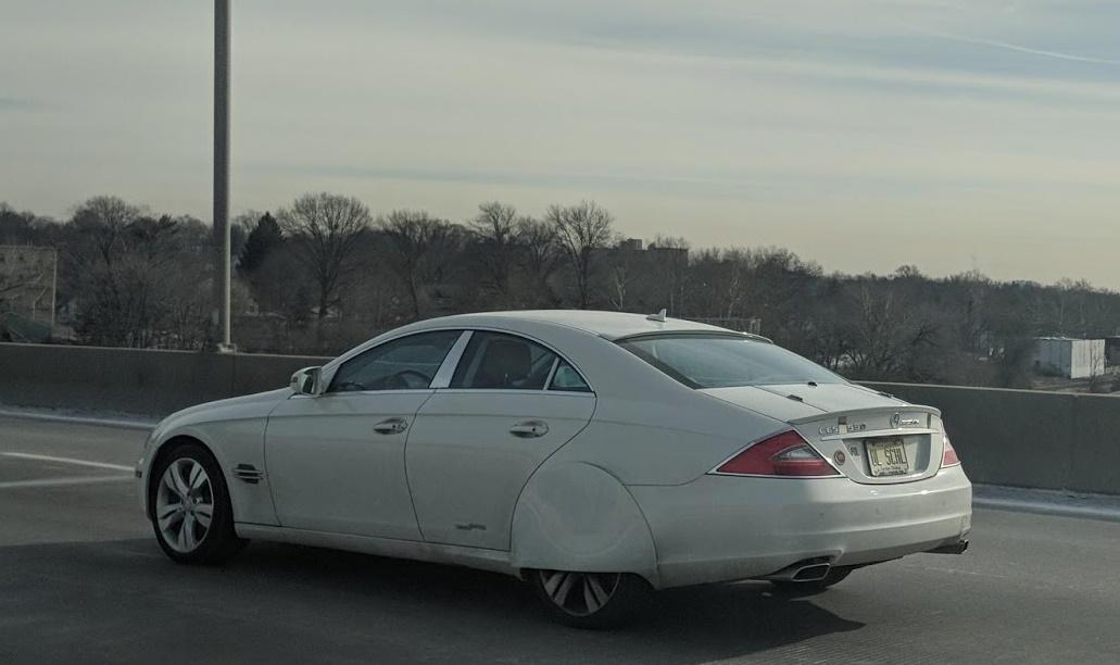 Ovaj Mercedes-Benz CLS je primjer katastrofalnog tuninga