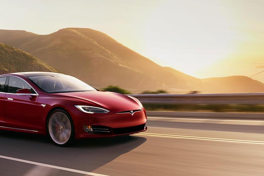 Tesla bježi od carina pa otvara tvornicu u Kini