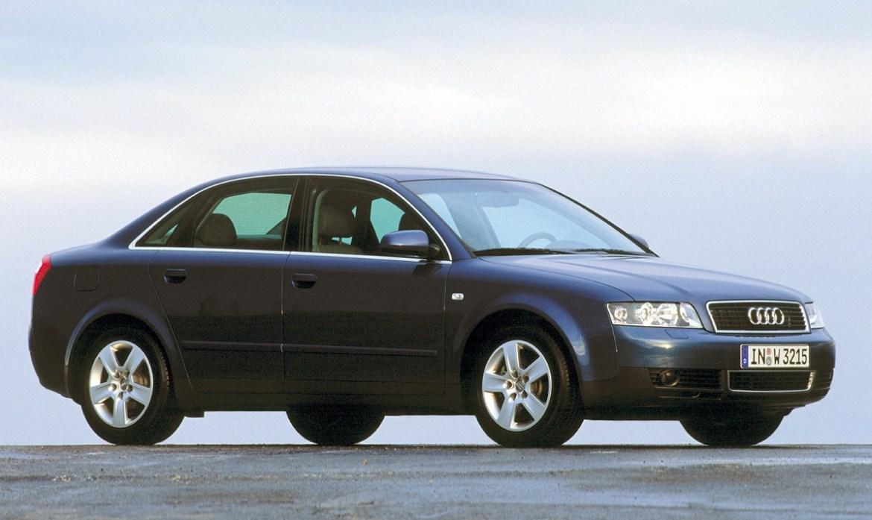 Audi A4 bruji u području filtera zraka