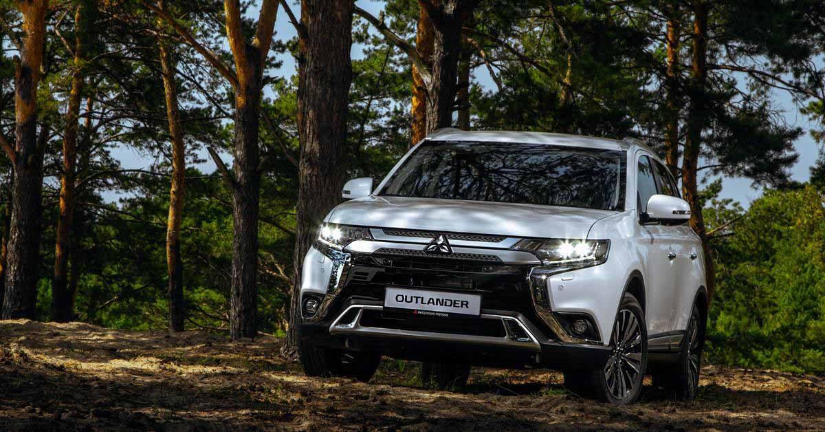 Mitsubishi изменила цены в России.  Подешевела одна модель - Мотор.