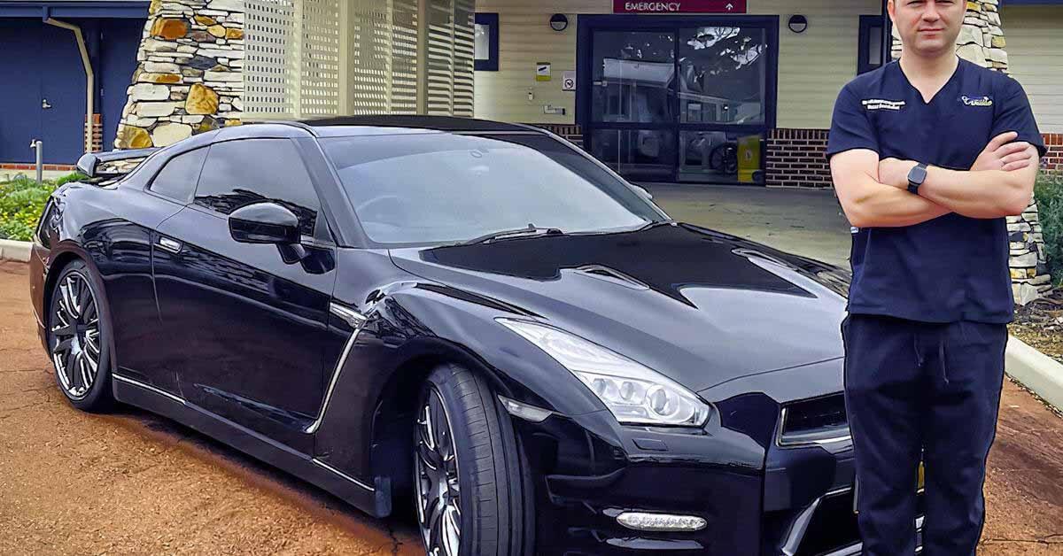 Австралийский врач хочет зарегистрировать свой Nissan GT-R в качестве машины скорой помощи