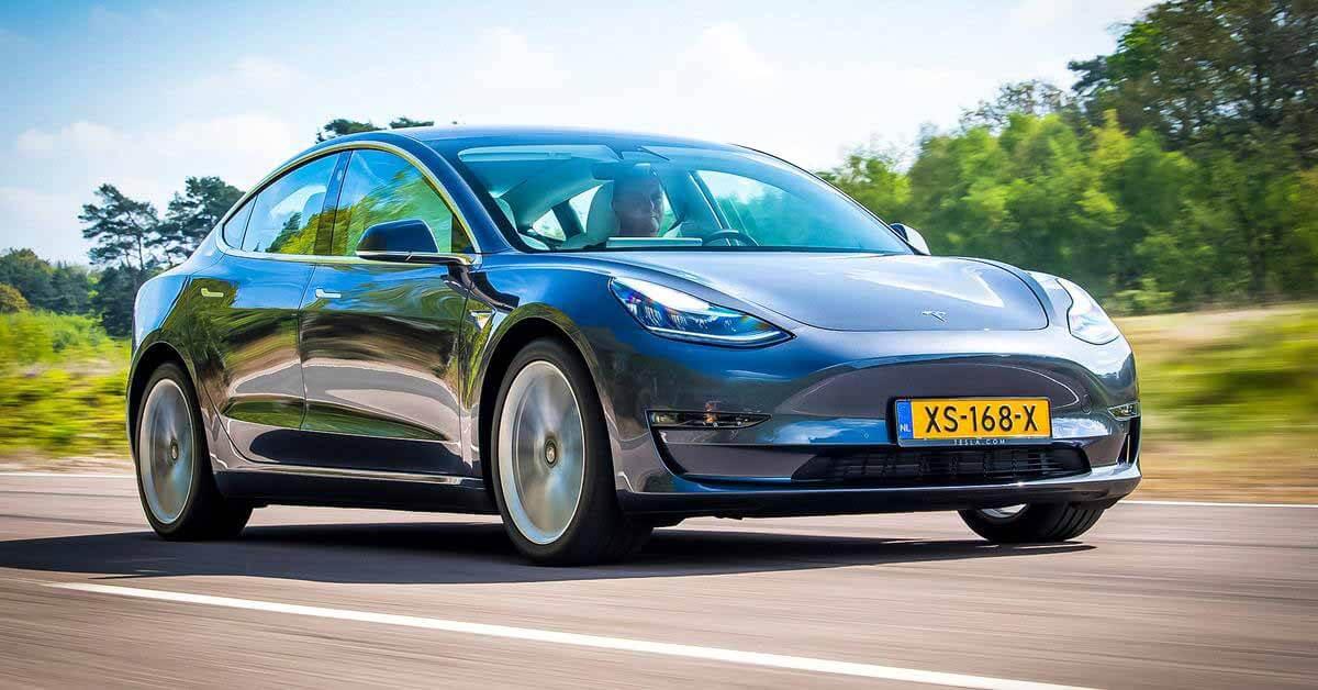 В России начались онлайн-продажи электромобилей Tesla - Motor