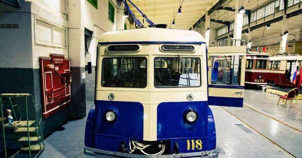 Посмотрите, как реставрировали уникальный довоенный троллейбус ЯТБ-2 - Motor