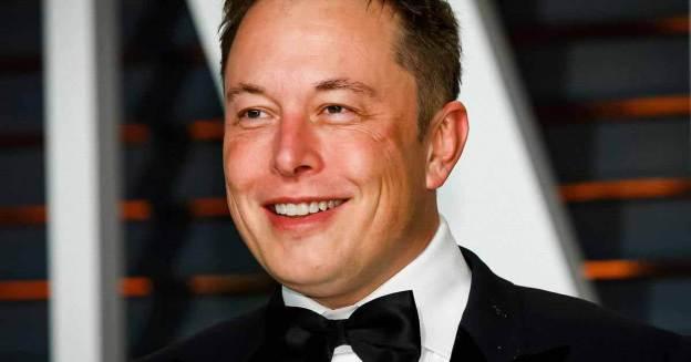 Илон Маск стал самым богатым человеком в истории.  Его состояние приблизилось к 300 миллиардам долларов.