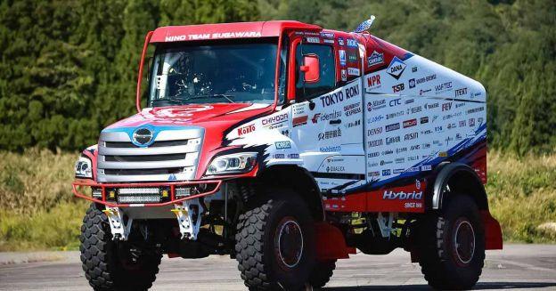 Посмотрите на японский грузовик, который составит конкуренцию КамАЗу на Дакаре.