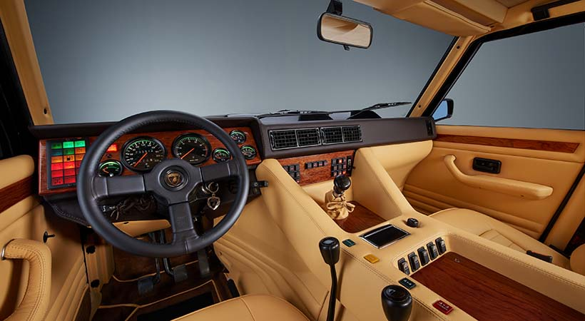 video Lamborghini LM002